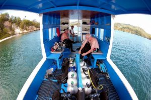 Comfortable and Spacious dive boats at Divers Lodge Lemeh