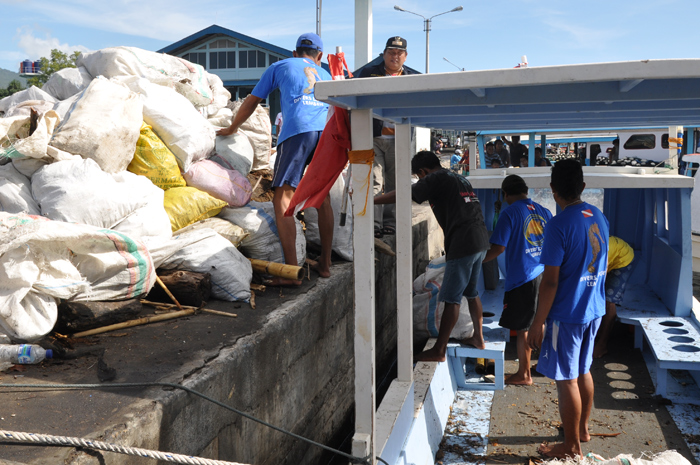 Divers Lodge Lembeh participated in Lembeh Strait cleaning day