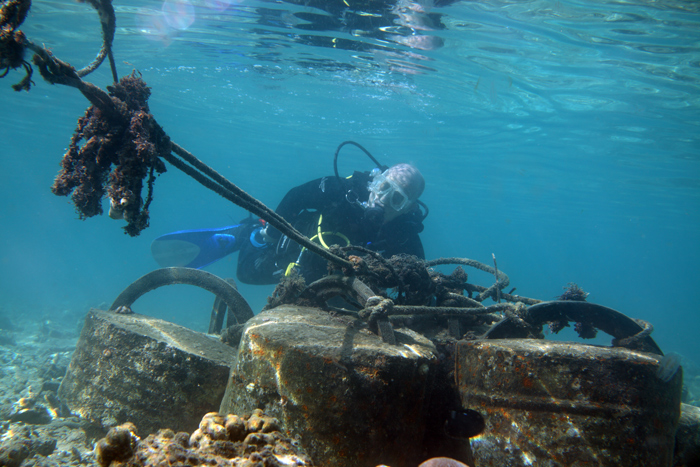 Adding moorings in Lembeh Strait
